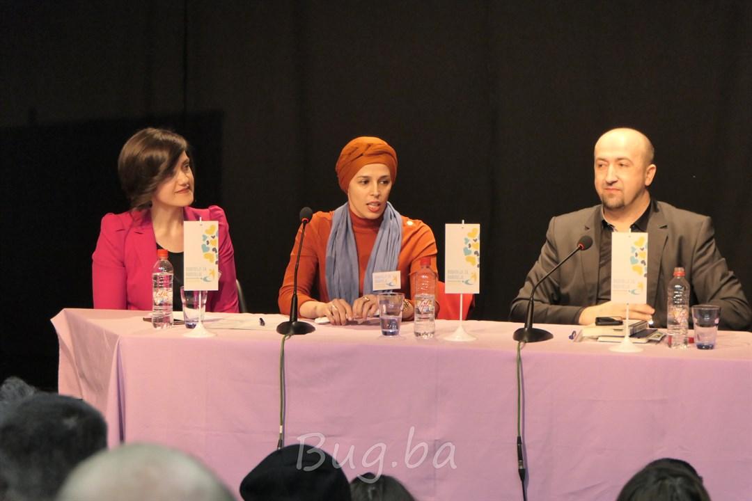 """Neformalna grupa roditelja organizovala predavanje prof. Muhameda Jusića """"Kako mediji oblikuju našu stvarnost"""" na temu"""
