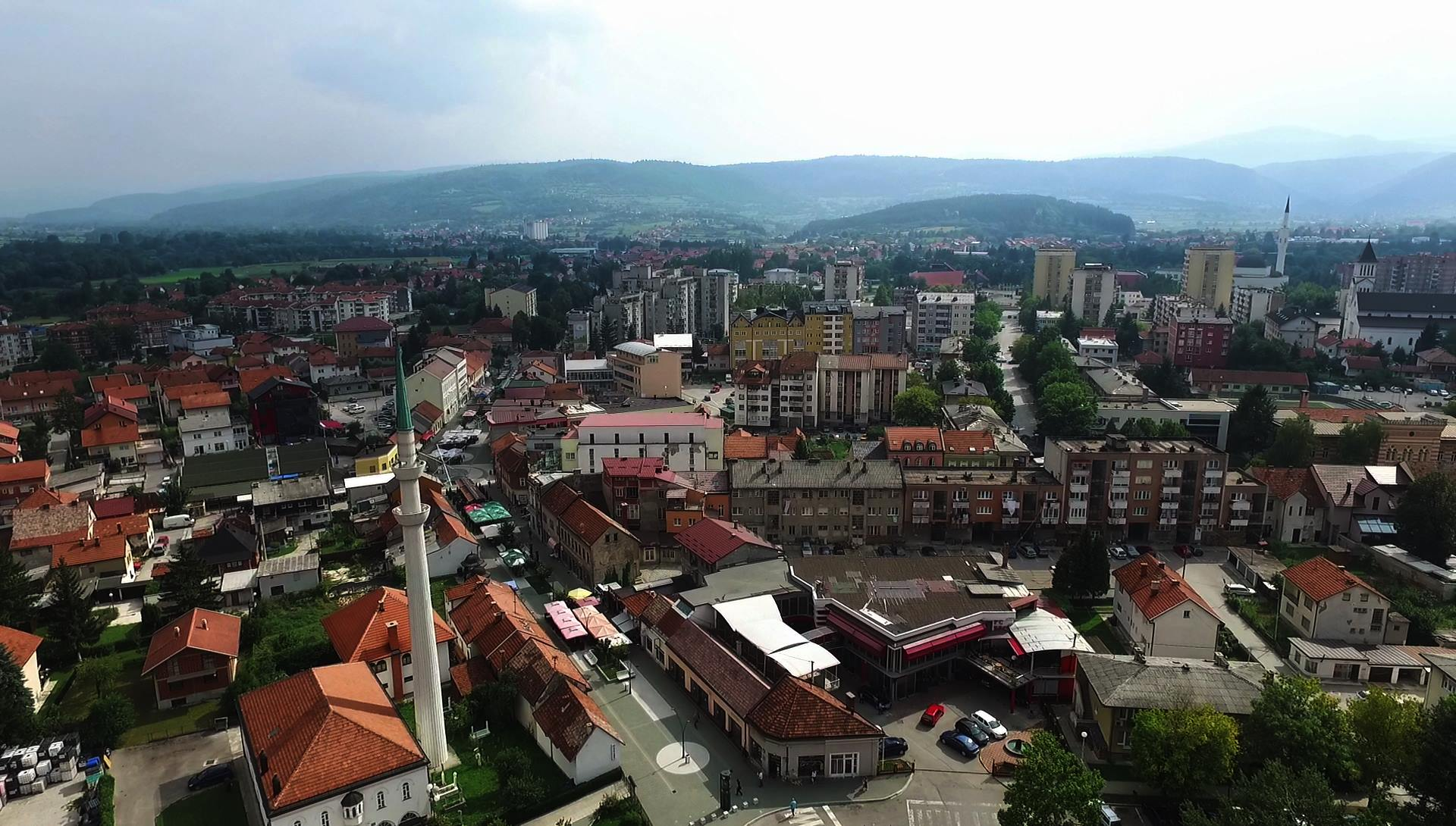 U Bugojnu se oglasile sirene u znak sjećanja na žrtve genocida u Srebrenici