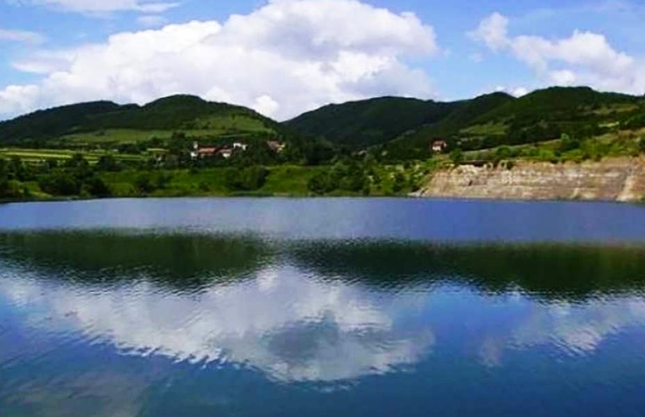 Devetnaestogodišnji mladić utopio se u jezeru Zanesovići!